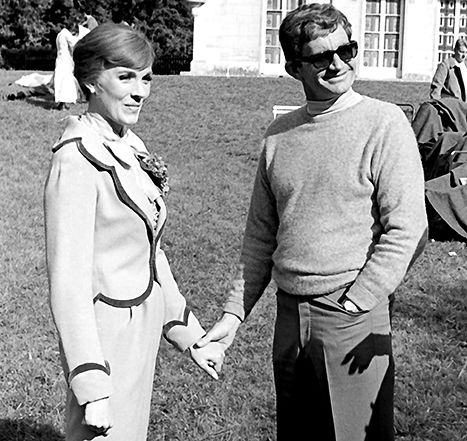 Julie Andrews and director Blake Edwards on location filming