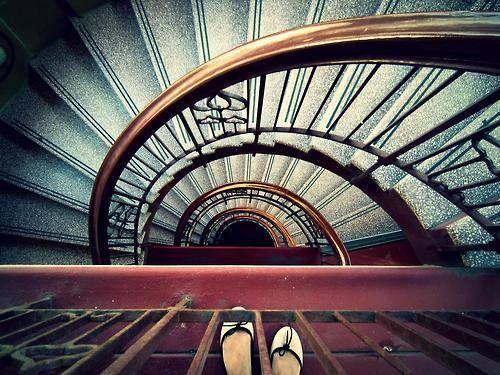 Best Spiral Staircase Girls Feet Stairs Spiral Staircase 640 x 480