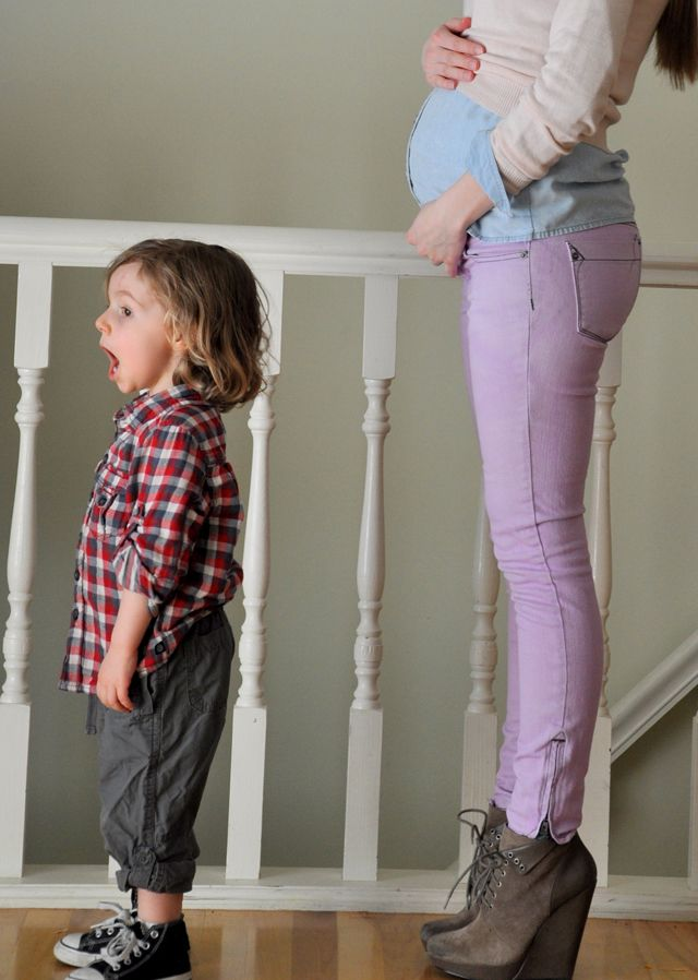 How to dye jeans purple! Love this gal's blog. Cotton & Curls. Plus she is the cutest prego lady.