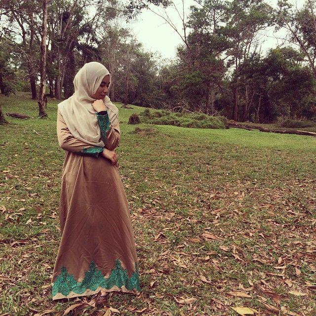 abaya ADRA EXCLUSIVE  RM130 including postage  #abayasatin #abayalace #abayanikah #abayaplain #abayakahwin #abayasequin #abayatunang #sequin #sayajual #sequinabaya #sayajualabaya #sayajualabaya #sayajualjubah #sayajualmurah #igshop #instashopmalaysia #jubahbaby #jubahbudak #jubahmurah #jubahnikah #jubahnikah #jubahkahwin #bazaarpaknil #laceyabaya #butikkuantan #vendorkuantan #kuantan #pahang
