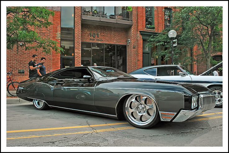 1970 Riviera. Totally pimped out. Still. Nice.