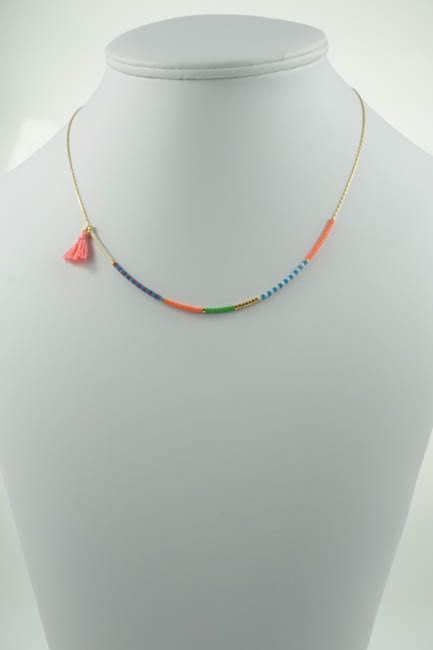 collier pompon corail, rose, couleur here comes the sun