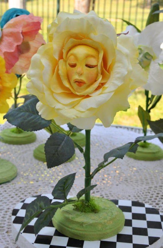 Fleurs Alice Au Pays Des Merveilles : fleurs, alice, merveilles, Alice, Merveilles, Parler, Fleurs, Printanière, Série, Mariage,, Décoration, Noël, Disney,, Thème