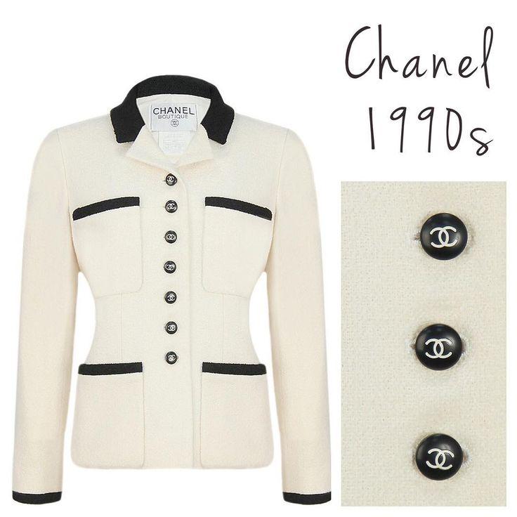 ♥️ Chanel Tweed Jacket, 1990s. Size M. ❤️ Твидовый жакет Chanel, 1990-е годы. Размер М. #vintagevoyage #chanel #vintagechanel #chanelvintage #onlineshop #vintagestore #chaneljacket #chanelclassic