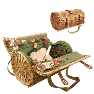 Picnic basket for two.