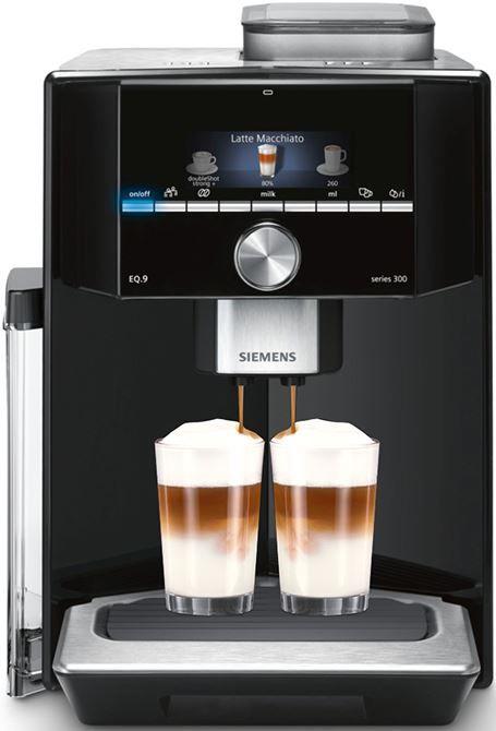 Siemens EQ9 TI903209RW  Siemens EQ9 TI903209RW: de stilste espresso volautomaat van Siemens! Deze Siemens EQ.9 serie is de stilste volautomatische koffiemachine van Siemens! Al jouw lekkerste koffiedrankjes zijn te maken (met melk) op precies jouw manier! Ook de sterkte en hoeveelheid van jou koffie is in te stellen op deze EQ.9 TI903209RW. Daarnaast komt dit koffiezetapparaat met een extra vulschacht voor gemalen koffie! Met de nieuwe oneTouch DoubleCup-functie zet jij al jouw koffie- en…