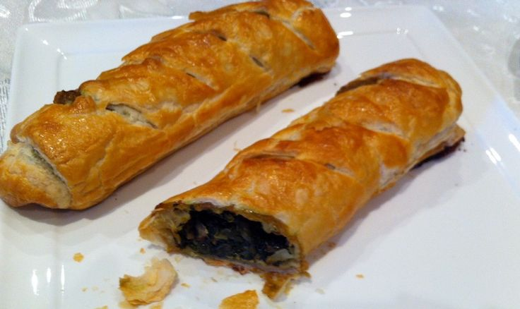 PUFF PASTRY ROLL UPS WITH SPINACH AND ITALIAN CHEESES! Check out our video!