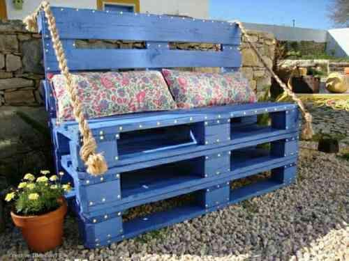 Banc de jardin en palettes bleu