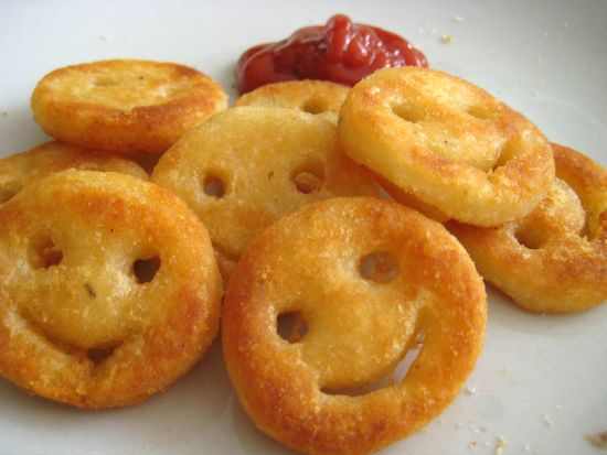 Awesome Cuisine gives you a simple and tasty Smiley Face Potatoes (Homemade Potato Smiley) Recipe. Try this Smiley Face Potatoes (Homemade Potato Smiley) recipe and share your experience. For more recipes, visit our website www.awesomecuisine.com