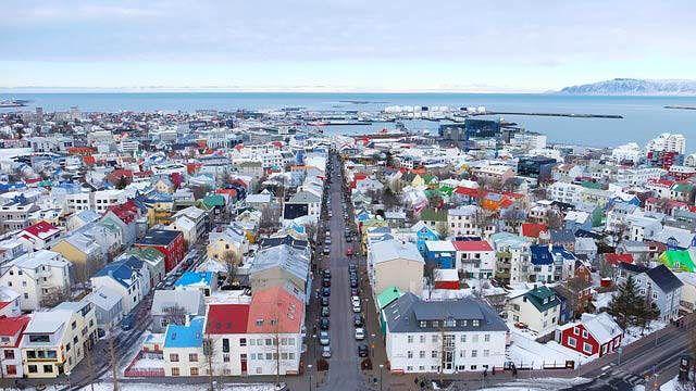 Ciudades más caras para vivir y viajar 2017: Reikiavik, Islandia Elena Georgieva: #ciudadesdelmundo #ciudad #ciudades #curiosoycreativo #curioso #ciudades2017 #ciudadesmascaras #destinosturisticos #viajar #viajar2017 #viajes #viaje #viaje2017 #mundo2017 #destinos2017 #destinos #vivir #vivir2017 #city #travel #travel2017 #reikiavik #reikiavik2017 #reykjavik #reykjavik2017 #islandia #islandia2017 #iceland #iceland2017
