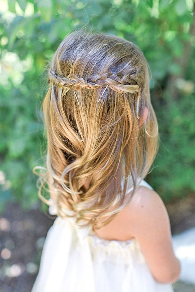 Best 25+ Flower Girl Hairstyles Ideas On Pinterest | Girl Hair Communion Hairstyles And Updos ...