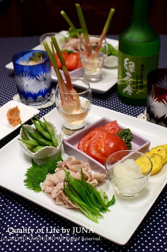 家族を笑顔にする!JUNAさんによるレシピブログ公式連載。和食・洋食・中華・麺類など毎日おかずと共に盛り付けテクニックを紹介します。