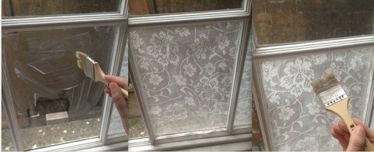 Gardine // Fensterdeko aus Spitzen-Tischdecke / alter Gardine // fixiert mit Maisstärke // mit heißem Wasser abwaschbar