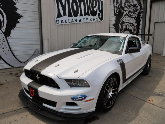 gas monkey garage gas monkey and mustangs on pinterest. Black Bedroom Furniture Sets. Home Design Ideas