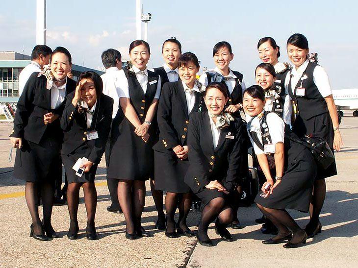 ee8385223f0676 JAL cabin attendants 客室乗務員 キャビンアテンダント - World stewardess Crews … | Future  Flight | 客室乗務員…