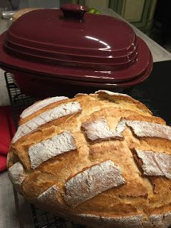 Dies ist wieder mal ein Brot das sich schnell zubereiten lässt - der Teig ist wunderbar zart und lässt sich sehr gut bearbeiten. Du kannst d...