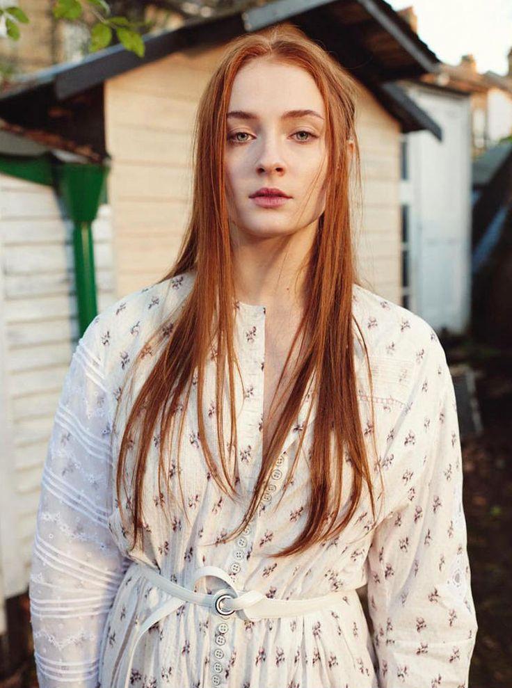 Тернер софи цвет волос