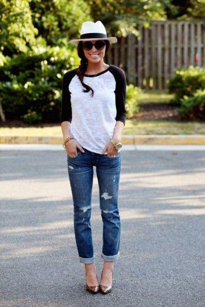 Stylish Ways To Wear Boyfriend Jeans | theglitterguide.com