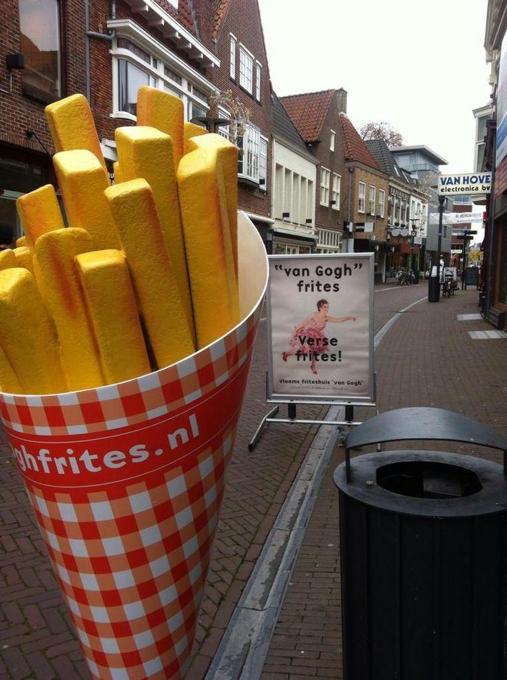 """Wereldberoemd in #Amersfoort! Vlaams friteshuis """"van Gogh"""" in de Langestraat"""