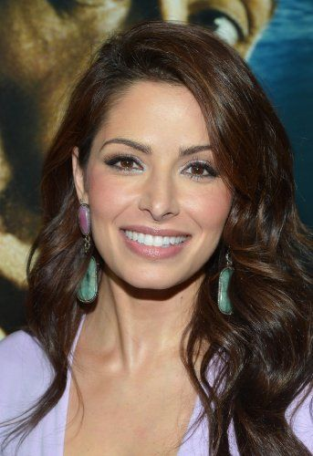 Best 25 sarah shahi ideas on pinterest sameen shaw for Square root of 1089
