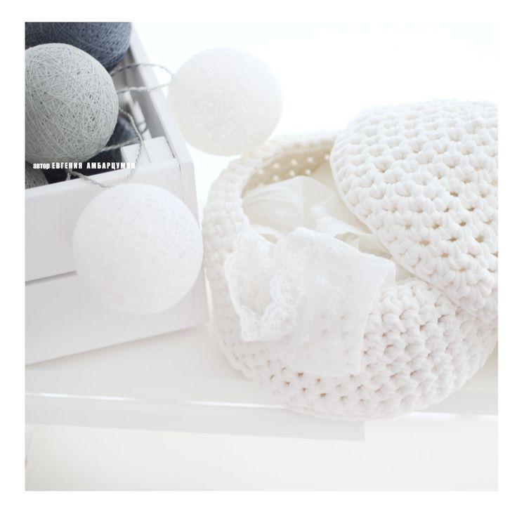 "Knitted basket ""Pear""eva-dolls.com"