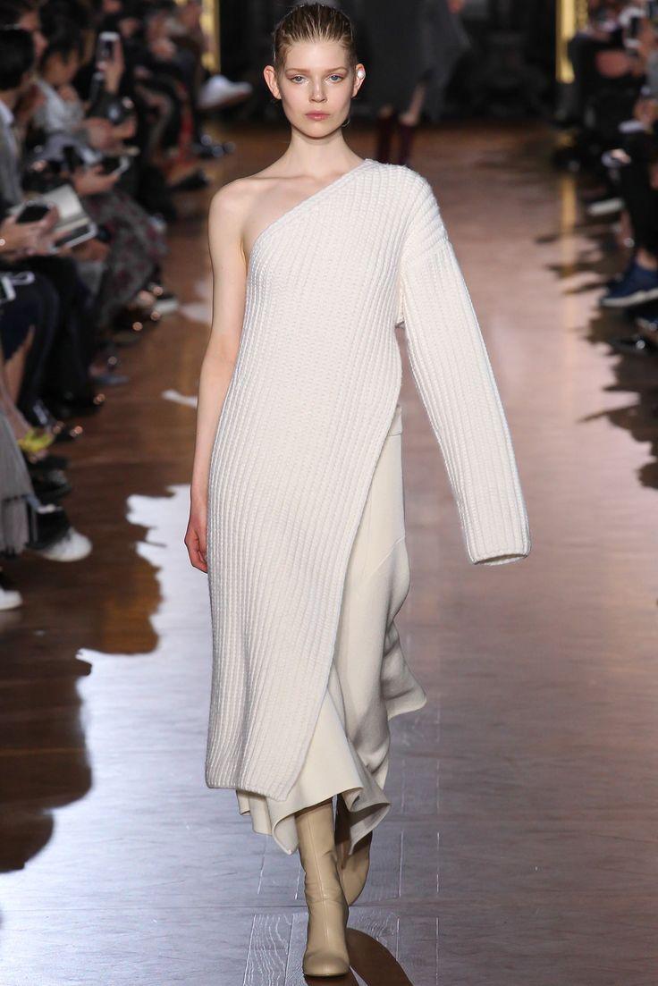 Stella McCartney на Paris Fashion Week: мягкая пластика - http://www.yapokupayu.ru/blogs/post/stella-mccartney-na-paris-fashion-week-myagkaya-plastika