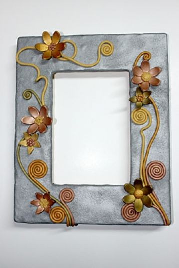 Striking+Sculpey®+Metallic+Flower+Frame