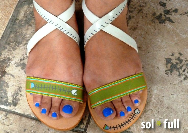 Fishbone. Handmade - Handpainted leather sandals.