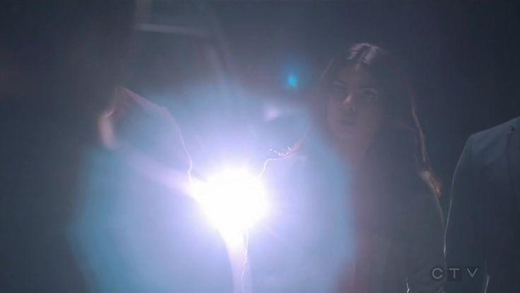 База Куантико 2 сезон 1 серия 2016 http://www.yourussian.ru/162719/база-куантико-2-сезон-1-серия-2016/   Релиз ColdFilm: Шесть совершенно разных новобранцев поступают на стажировку в ФБР на базу Куантико в штате Вирджиния. Базой руководит Миранда Шоу, первая женщина на высшей должности в ФБР. Миранда объединяется со своим бывшим партнером, Лиамом О`Коннором, который ныне работает советником, чтобы отобрать лучших новобранцев в агенты. Тем не менее в будущем один из новобранцев будет…