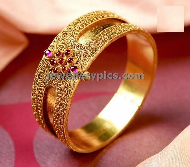 designer gold single bangle