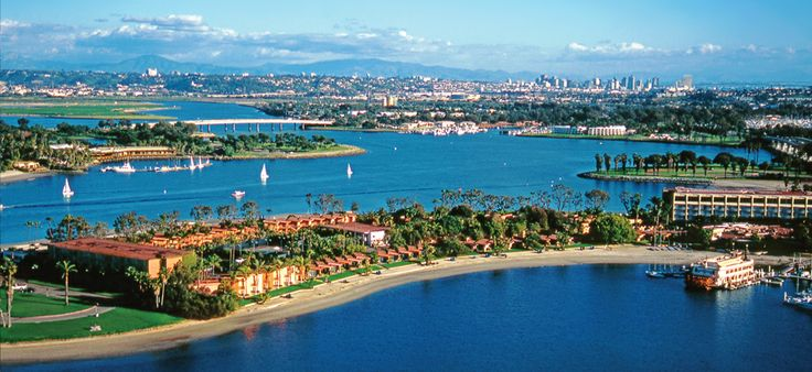 The Mission Bay Peninsula is an ideal spot for San Diego vacation home rental, because it's in close proximity to numerous beautiful beaches and waterways.