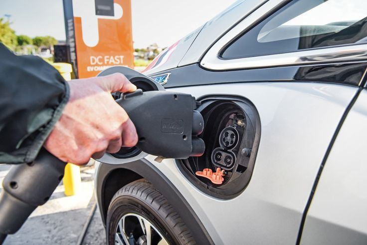 US Department of Transportation to Create EV Charging Networks Across 35 States