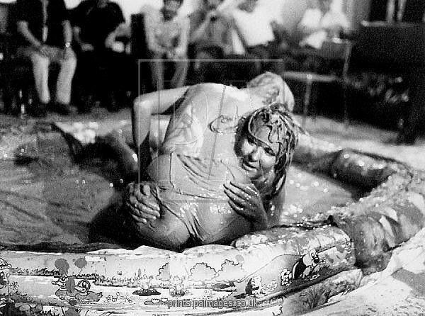 Wrestling erotic of mud