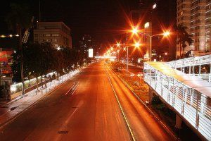 jakarta-road-night.jpg (300×200)