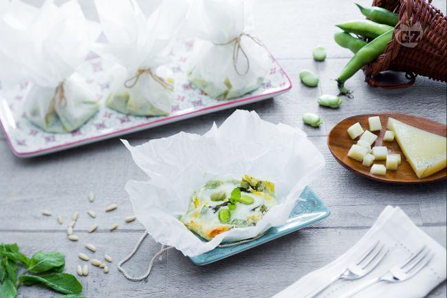 I cartocci di fave e formaggio sono dei profumati scrigni primaverili che custodiscono tutto il sapore delle merende all'aperto!