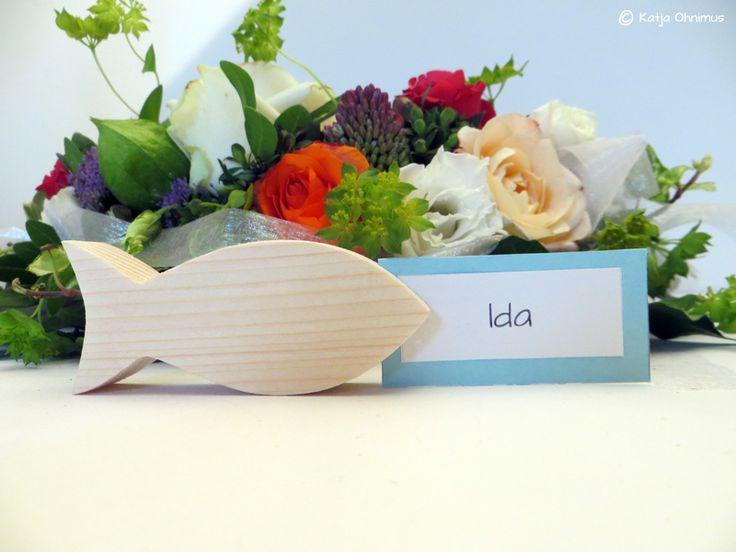 #Tischkartenhalter #Kartenhalter #Gastgeschenk #Holz #Dawanda #Tischdekoration #Kommunion #Taufe #Konfirmation #GeburtstagTischkartenhalter Fisch Gastgeschenk Taufe Holz - ein Designerstück von kuenstlerei bei DaWanda
