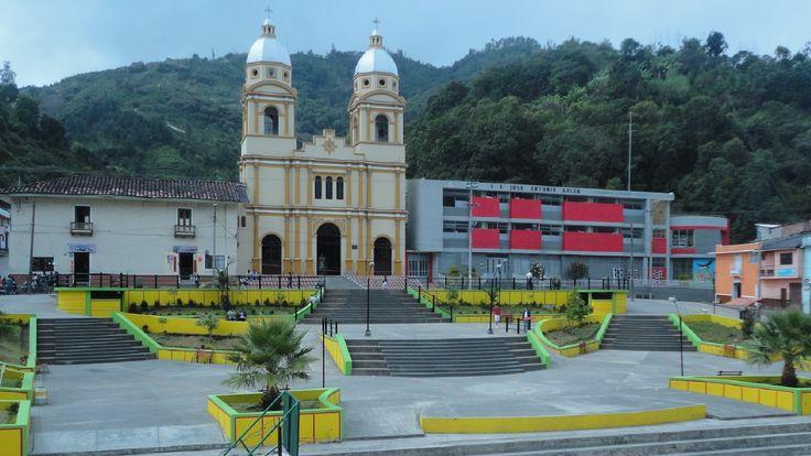 HERMOSO TEMPLO O CATEDRAL DE SAN BERNARDO UBICADA EN EL NORTE DE NARIÑO