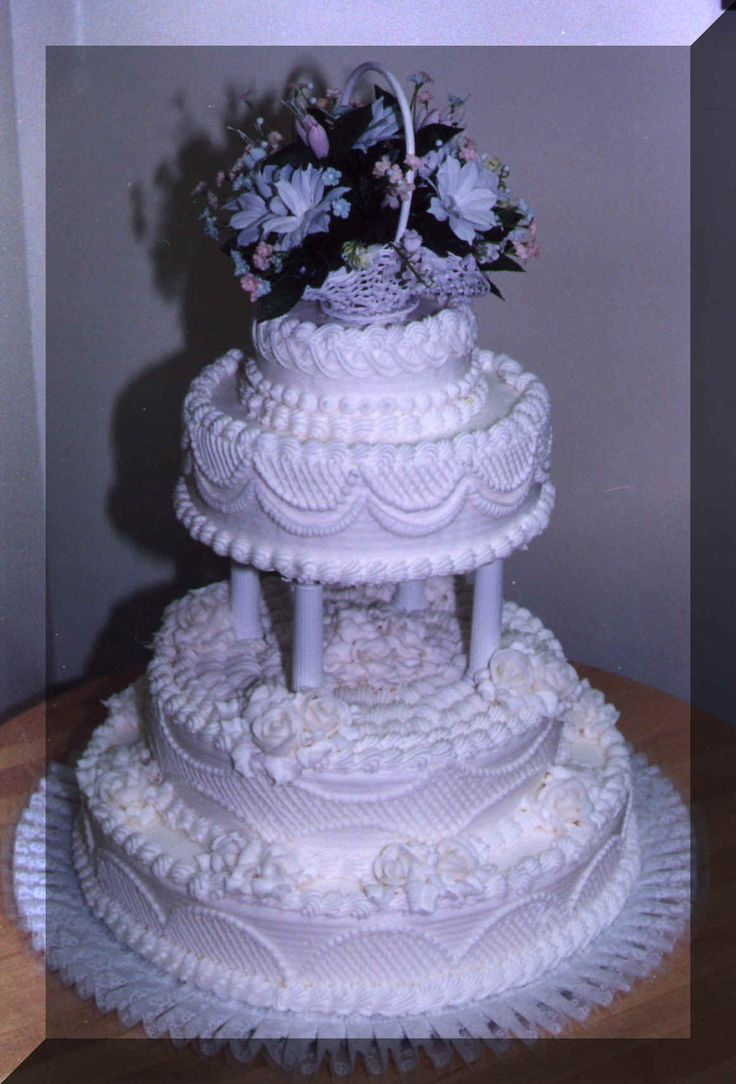 Pretty Purple Wedding Cake Decoration Ideas con Classic Look