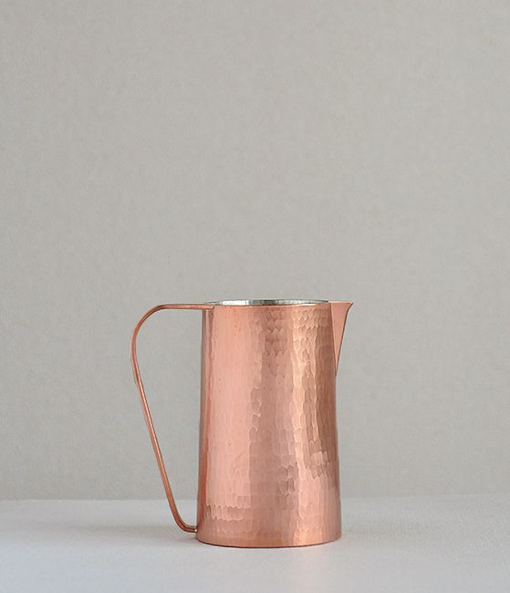 Hammered Copper Pitcher by Sfera | Analogue Life