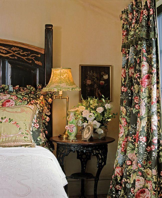 Bedroom details - English Country Charm www.lindafloyd.com