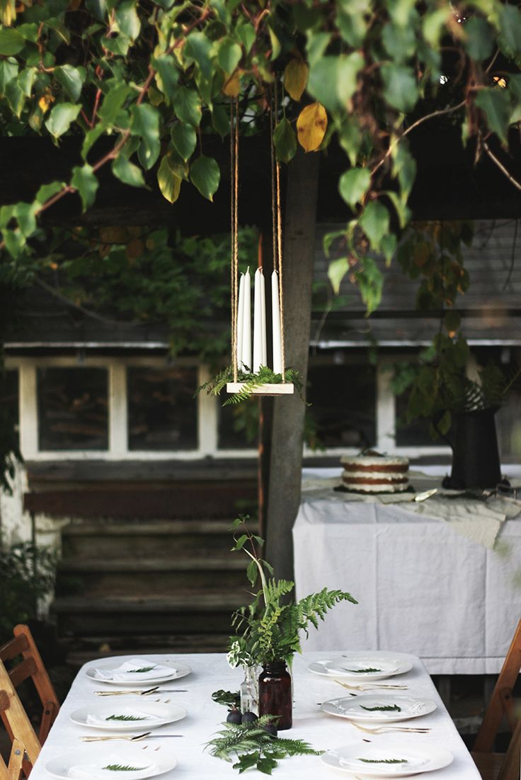 Do you remember this candle chandelier from the Fern & Fig Gathering? It is unbelievably easy to make and once you're done, you can customize it to fit in with any party. It would be a great ce...