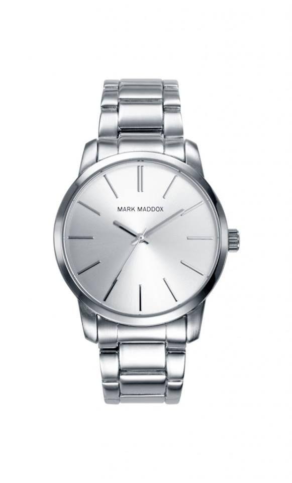 Un modelo clásico y muy elegante para ellos. Reloj tres agujas brazalete con cierre desplegable y esfera color plata. Cristal mineral. Impermeable 30m (3ATM).