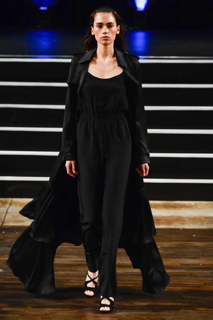 Marcel Ostertag, Look #36