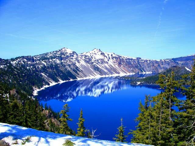 Lago Crater azul de Oregon EEUU