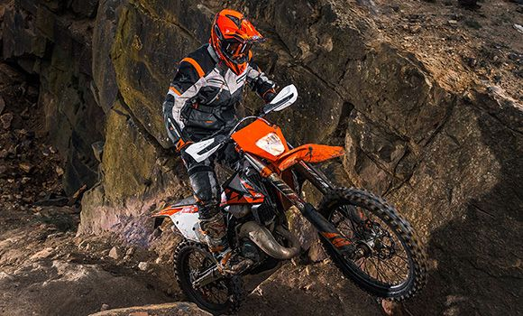 Stupendous 2018 Ktm 300 Exc Tpi Enduro Dirt Bike Review Specs Ktm 300 Gmtry Best Dining Table And Chair Ideas Images Gmtryco