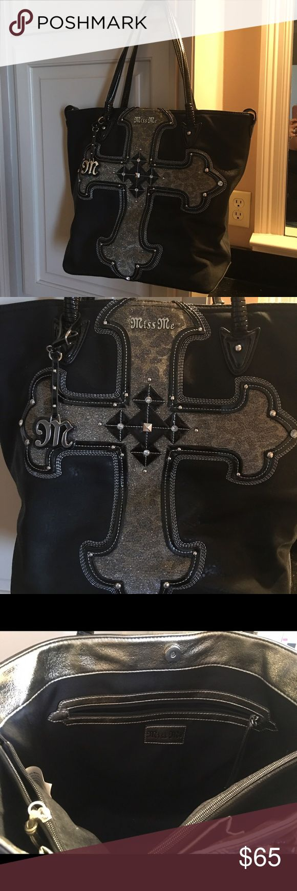 Miss me purse like new Only used once Miss Me Bags Shoulder Bags