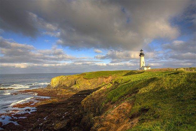 Imagen: La costa de Oregon en Newport es el hogar de Faro Yaquina Head (© Ocean/Corbis)