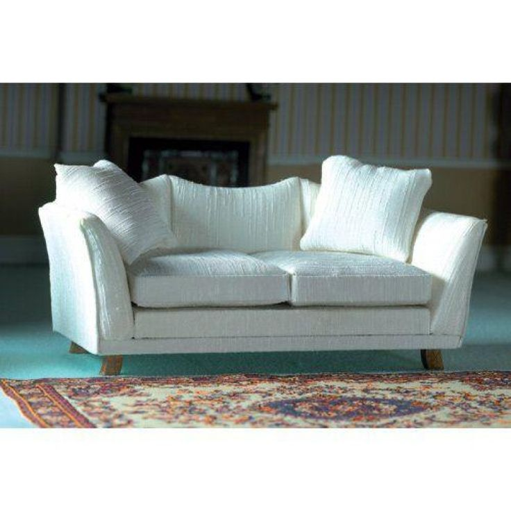 1000 ideas about cream sofa on pinterest cream couch for Semi classic sofa