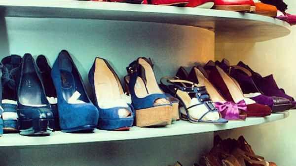scarpe sporche: 6 motivi per non indossarle a casa Siano esse stiletti vertiginosi al limite della portabilità calosce confortevoli di dubbio gusto o scarpe sporche