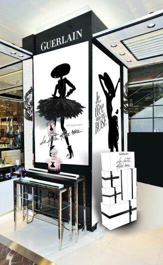 La petite robe noire de Guerlain grands magasins parisiens...